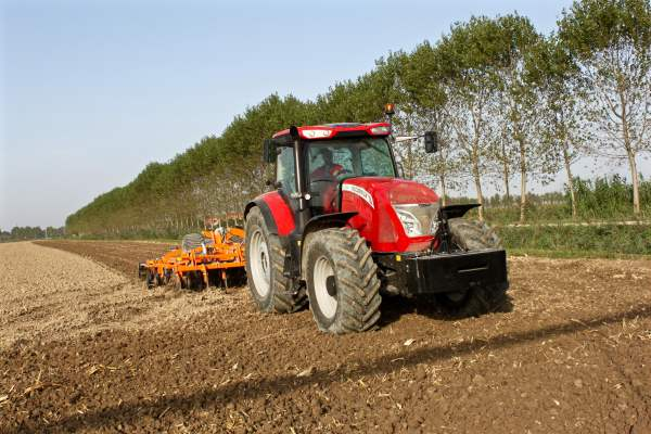 McCormick tractors efficient specification enhances x7 range